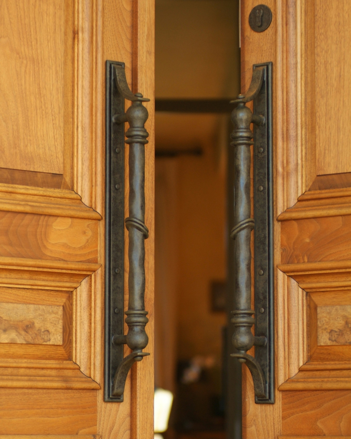 custom made handle solutions for architects and interior designers
